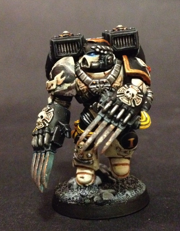 Mortifactors Vanguard Veteran with Lightning Claws