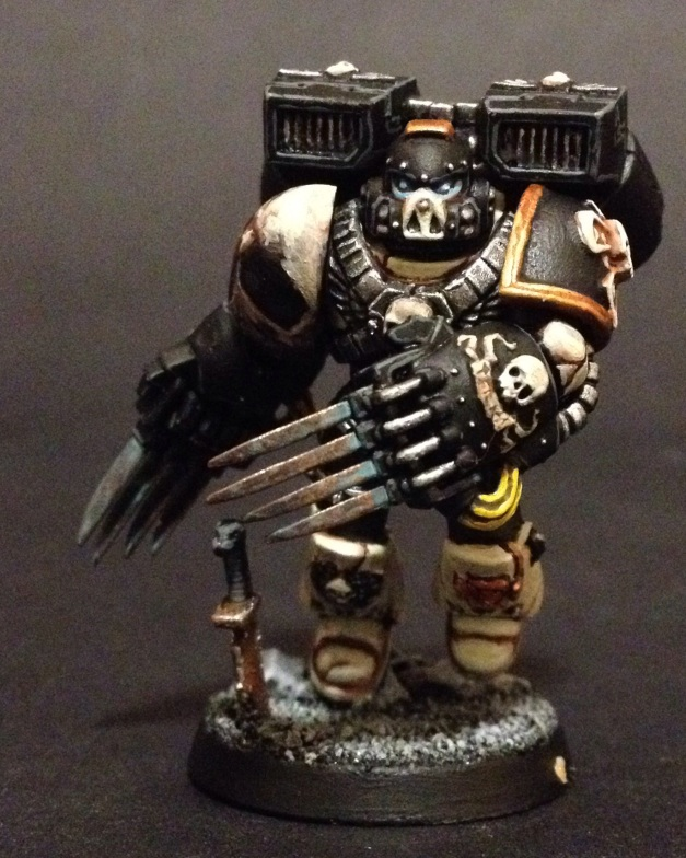 Mortifactors Vanguard Veteran with Lightning Claws and Jump Pack