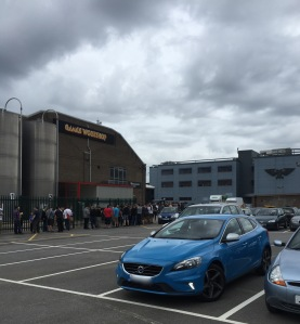 warhammer world queue