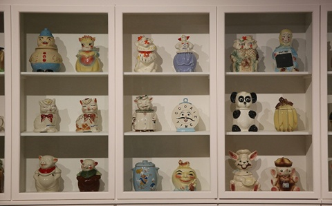 1-intAndy-Wharhol's-cookie-jars-collection.-Magnificent-Obsessions_The-Artist-as-Collector_-Barbican-Art-Gallery.-©Peter-MacDiarmid_-Getty-Images