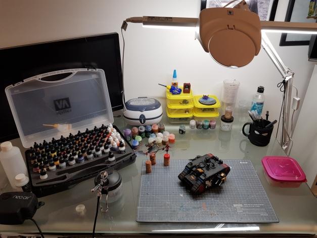 painting desk dan