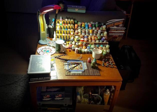 hobby desk louise
